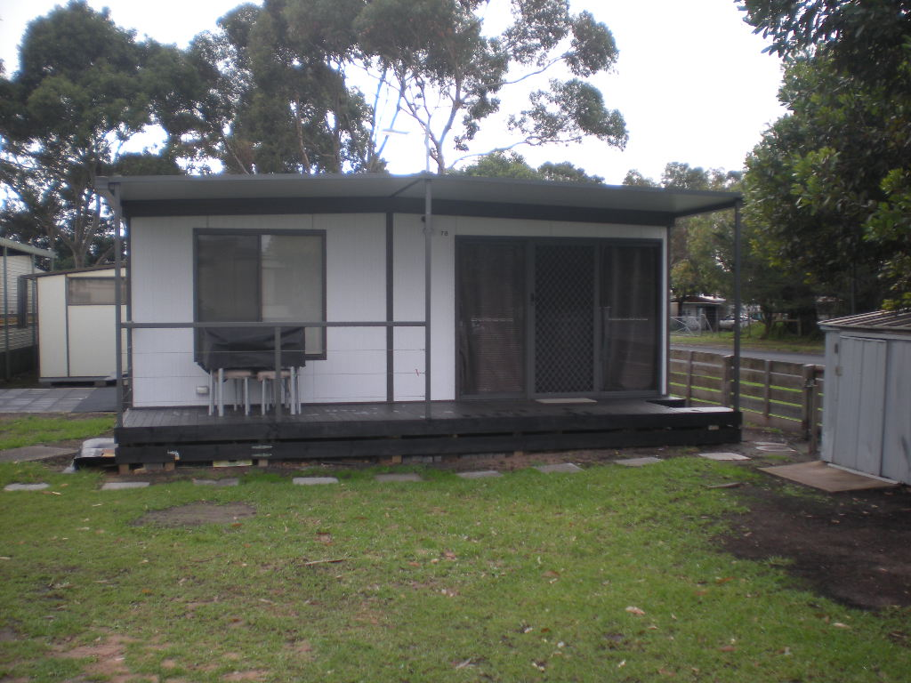 Cabin with annexe attached